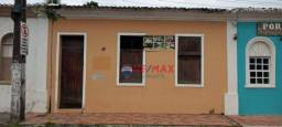 RE/MAX Specialists vende casa de conceito histórico no centro de Porto Seguro.