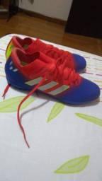 Chuteira Society 18.3 Adidas Nemezis Messi