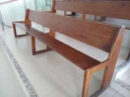 Bancos de madeira para igreja