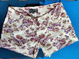 Short Jeans Estiloso com Estampa Floral