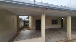 Aluga-se Casa com 3 Quartos (1 suíte) - Abraão Alab