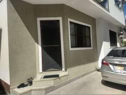 Vendo casa de Condomínio em Costa Azul- Rio das Ostras-Rj