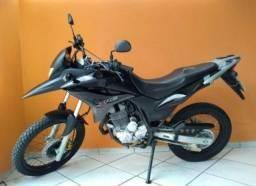 Vendo moto xre 300 ano 2010 bem conservado.