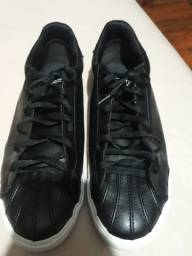 Sapato usado 50 reais  ñao faço entrega.