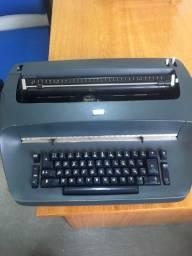 Máquina de escrever IBM