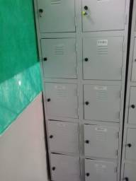 Armário de aço com 10 portas