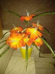 Arranjos florais artificiais