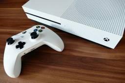 Xbox one  1 TB  Com 1 controle