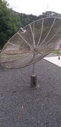Aparelho receptor de parabólica com antena