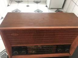 Rádio Modelo antigo