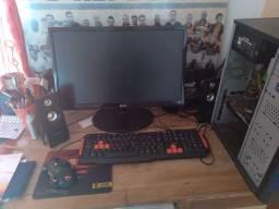 Vendo PC Game completo.