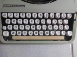 Máquina de escrever década de 60/70