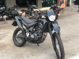Xt 660 preta 2012