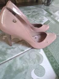 Vendo 3 sapatos por 10 reais