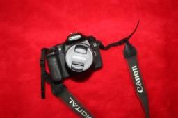 Camera semi profissional Canon Eos 40D + Lente EFS 18-55mm + Speedlite Di622 + 2 Baterias