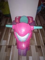 Vendo moto elétrica e bicicleta