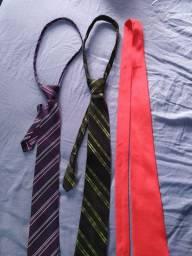 Três gravatas