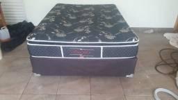 Vendo cama box com colchao de molas