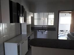 Alugo casa 3 quartos e area de churrasco