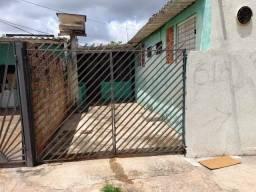 Casa individual, 1 quarto, sala, cozinha, banheiro, garagem, varanda, asfalto. Zé Pereira