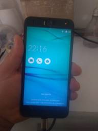 Celular asus zenfone selfie, 32gb. Está sem bateria , está aqui a abria velha,não presta.