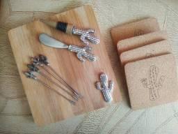Jogo de petisco de madeira cactos