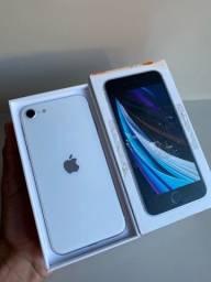 iPhone SE novinho