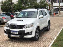 TOYOTA HILUX SW4 2013 7 LUGARES