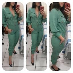 Macacão verde estiloso