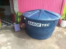 Caixa d'água 1.000 litros sem uso