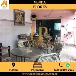 Casa com Blindex no bairro de Flores