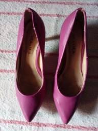 Título do anúncio: Sapatos e sandália  de salto.