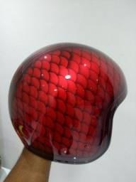 Pintura em capacetes e personalização