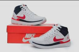 Vendo tênis nike air Jordan e nike Just do it ( 130 com entrega)