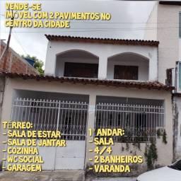 VENDE-SE IMÓVEL COM 2 PAVIMENTOS NO CENTRO DA CIDADE
