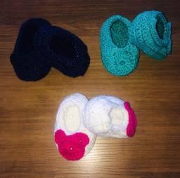 kit 3 sapatinhos de croche 8cm com elastico  para bebe reborn