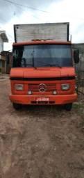 Título do anúncio: Vendo caminhão baú 608