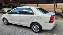 Toyota Etios Sedan XLS 1.5 Completo Conservado Econômico