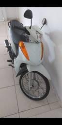 Moto semi-nova