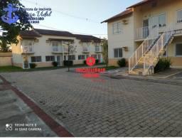 PRV More com conforto e comodidade linda casa de 2 quartos condomínio fechado.