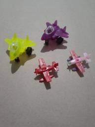 Lote aviões  Brinquedos
