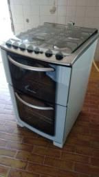 Fogão Electrolux com 2 fornos