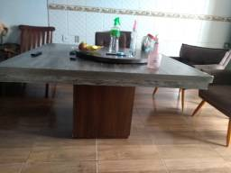 Mesa boa qualidade bem bonita