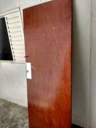 Porta de madeira usada - 2.10 x 0.80