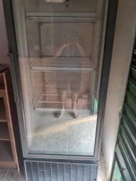 Freezer vertical cervejeiro metal frio 220v, aceito cartão.