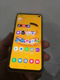 Samsung s10e Novinho com nota fiscal e garantia