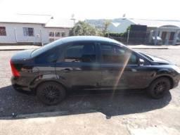 Focus sedan preto