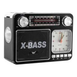 Rádio Vintage C/ Lanterna /am Fm Sw Usb Cartão Sd - A 135t