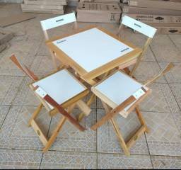 Jogo de mesa com 4 cadeiras da bohemia