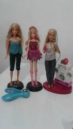 Barbies, Ken, quarto, sala, cozinha e banheiro